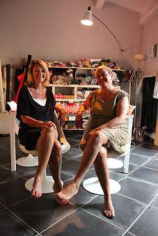 Portrait des créatrice de l'atelier de couture 3 Fois Oui fabrication de sacs à main made in France