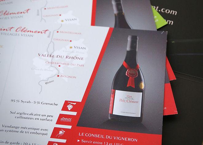 Brochure multilingue du vignoble le Clos du Père Clément