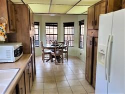 Oak 152 Kitchen 2