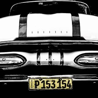 58099B - Vintage Car w/ Yellow Tag