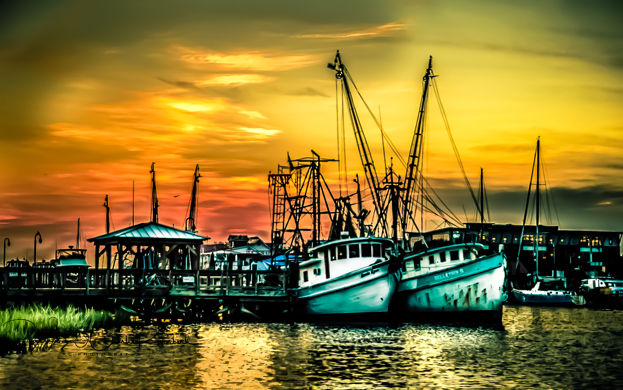 58060D - Shrimp Boats with Sunset Wa