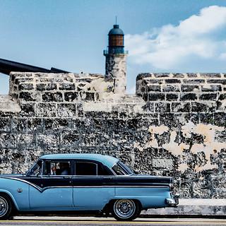 58096A - Blue Vintage Car at Fort