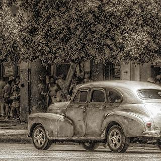 58151G - Vintage Car