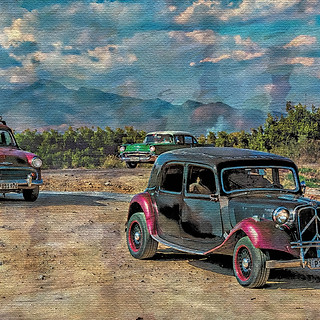 58159D - Vintage Cars at Beach with Mountain Background