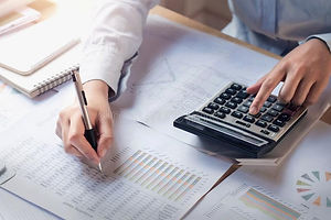 finance-accounting-concept-business-woma
