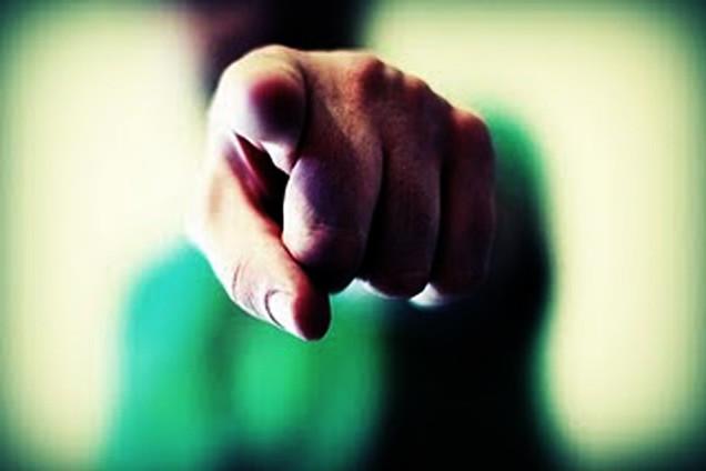Antes de colocar o dedo em ação, pare, pense e analise