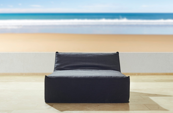 Daybeds & Unstructured poufs