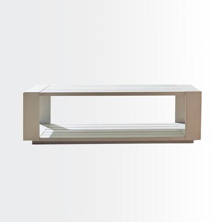 Calafatecoffee table • aluminium surface