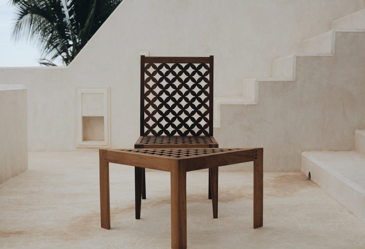 Mashirbirya Chair and Sidetable
