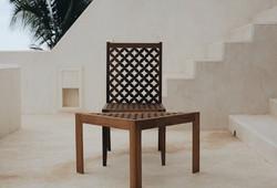 Mashirbirya Chair and Sidetable