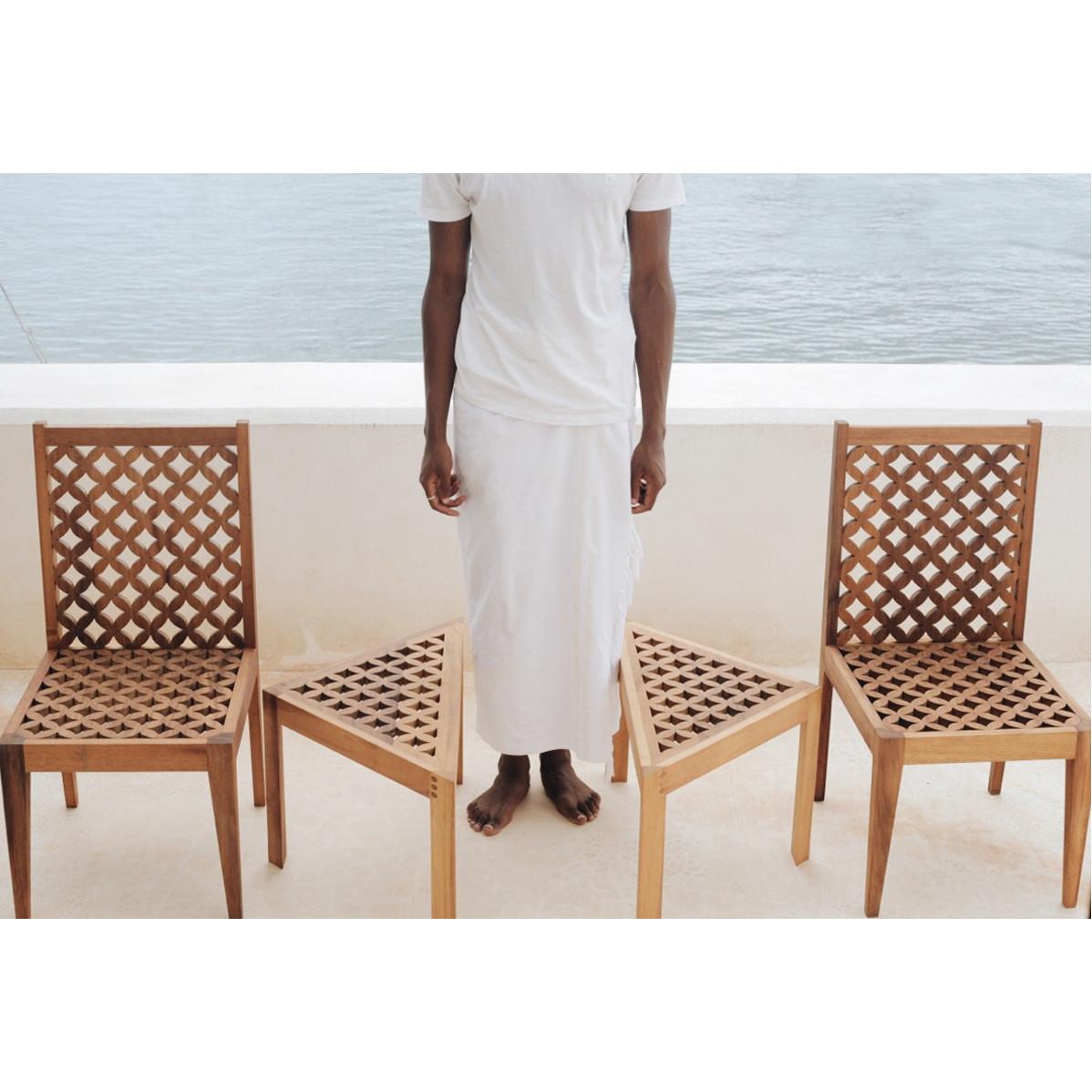 Chair and sidetabke 4