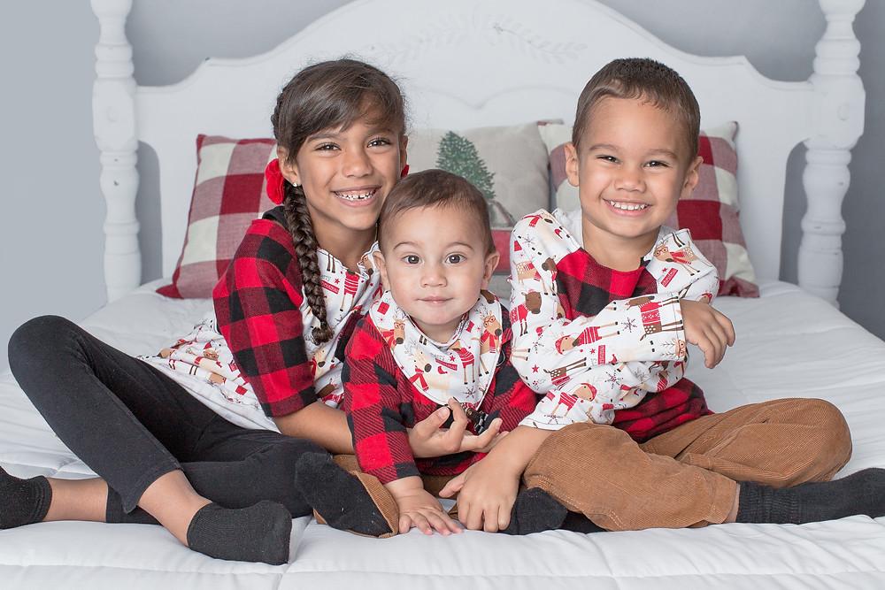 Holiday Mini, siblings