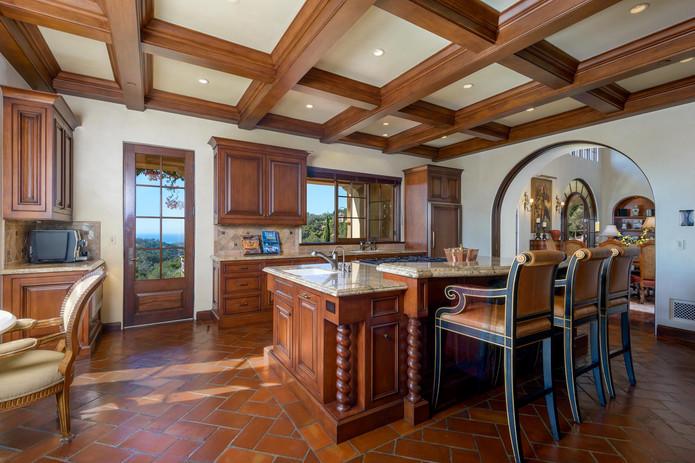 13_Kitchen2.jpg