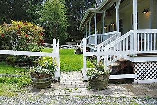 Valley Meadows Weddings & Events Bridal Suite, a Springtime Tour