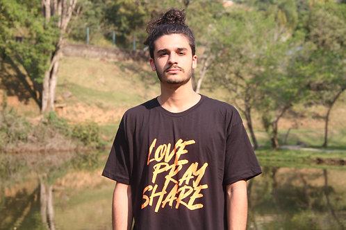 Camiseta Love.Pray.Share.