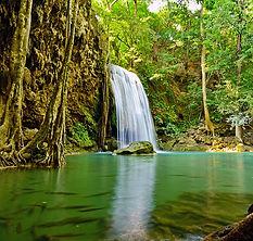 1200px-A_beautiful_waterfalls_with_big_o