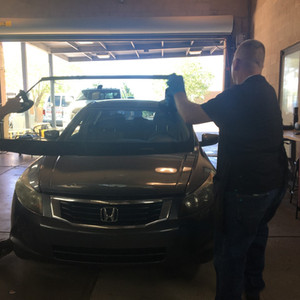 Installing a windshield