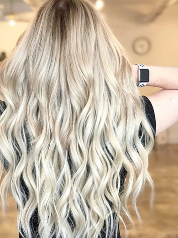 Salem, Oregon | Dimensional Color & Blonding Specialist, Hairstylist Business Strategist, Coach, and Mentor
