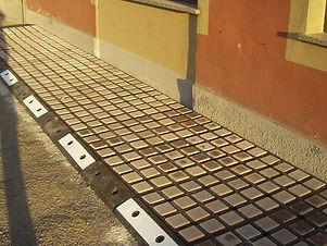 Marciapiede prefabbricato modulare in go