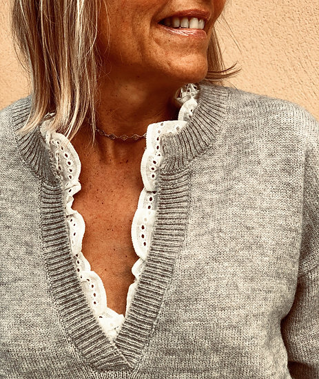 Pull gris col broderie Come