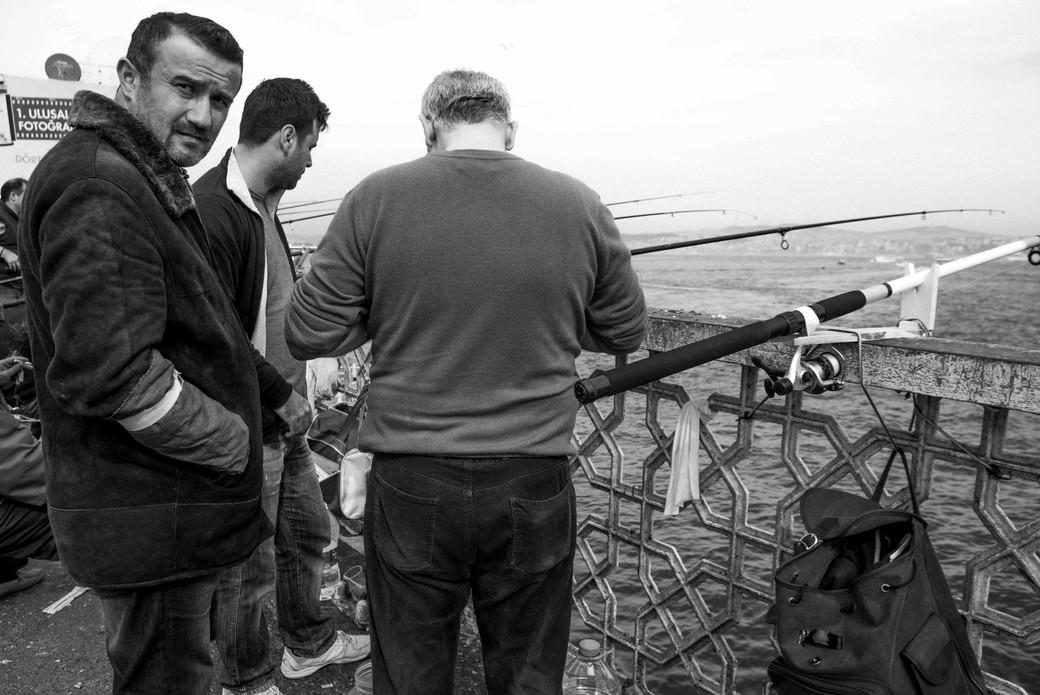 Fishing on Galata Bridge, March 23, 2014.jpeg