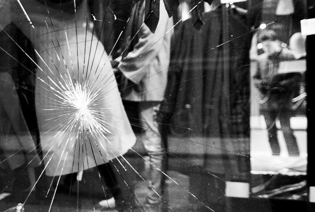 Customer shot through a window, Paris. November 24, 2013.jpg