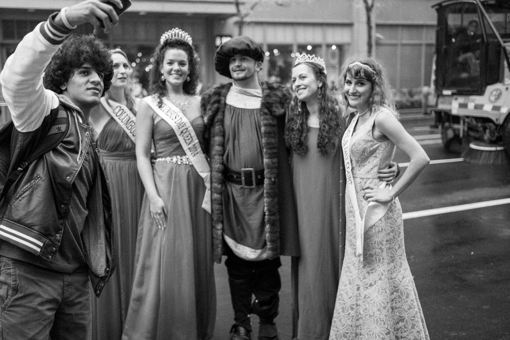 Columbus and His Court, Chicago. October 13, 2014.jpg