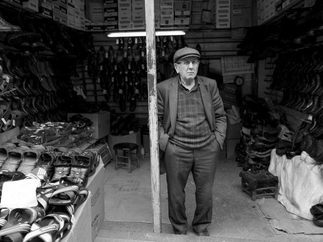 Shoe salesman, Bazaar, Istanbul. March 2