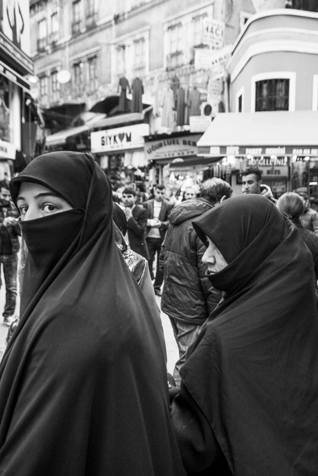 Two Muslim woman, Istanbul. March 26, 2014.jpeg