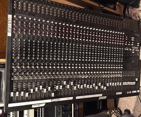 Mackie 32 x 8 Mixer