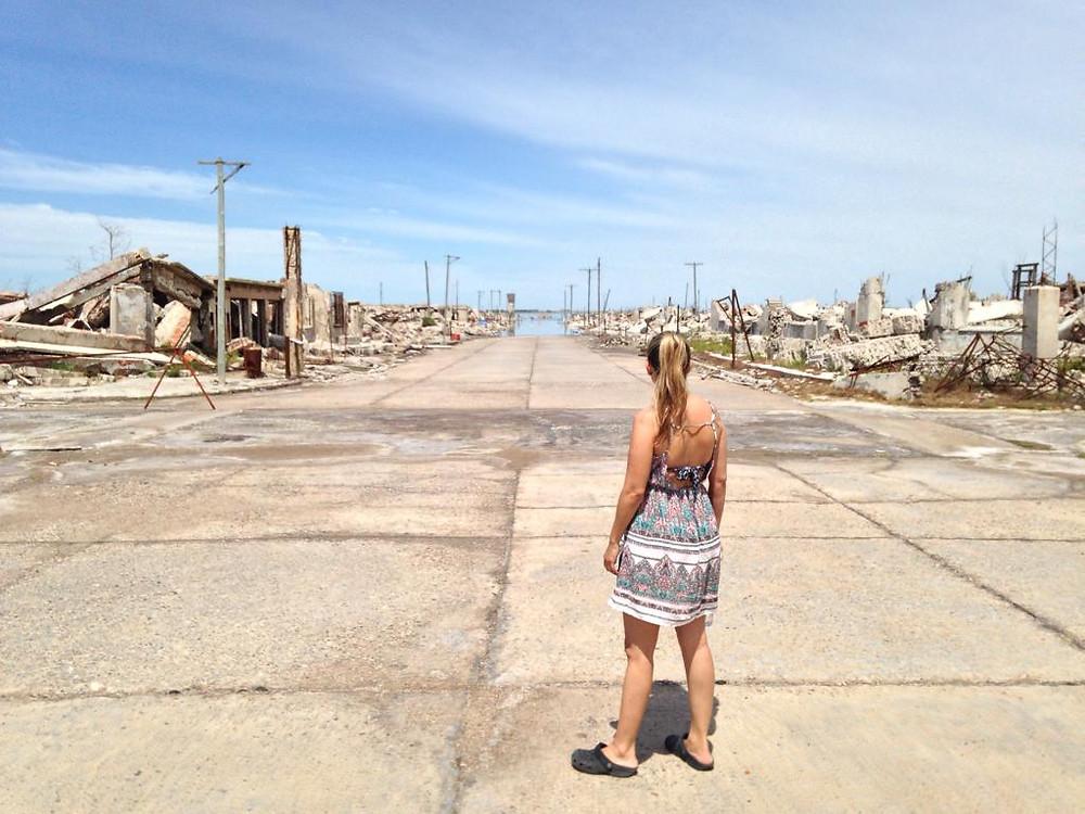 Calles de Villa Epecuén en la actualidad 2020 - Pueblo en ruinas orilla lago Epecuén, Buenos Aires Argentina