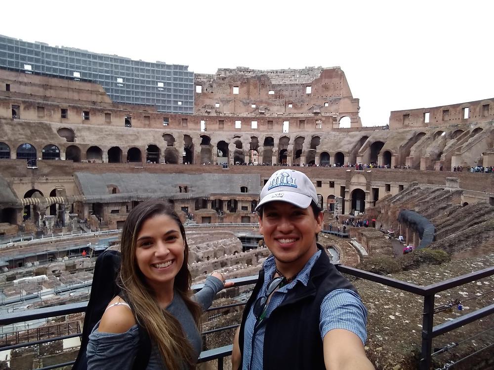 dentro del coliseo romano. Coliseo Roma por dentro