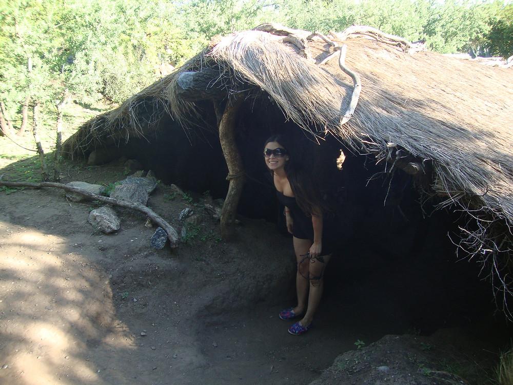Casa comechingones. Parque Temático Yucat, Villa de Merlo, San Luis, Argentina