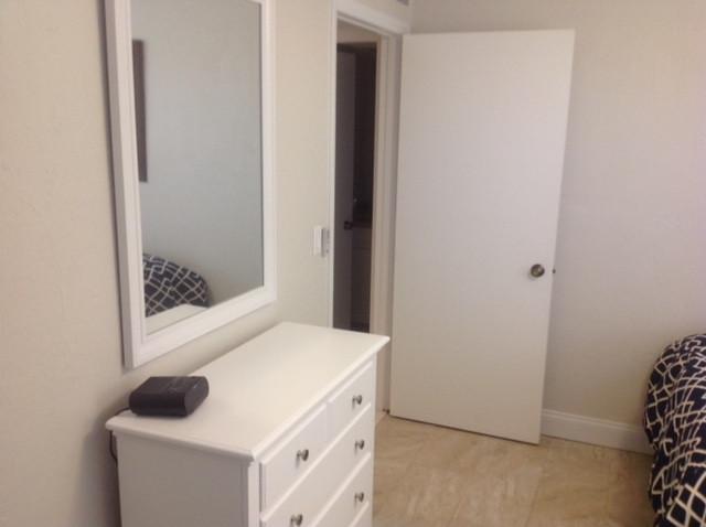 28-Guest bedroom