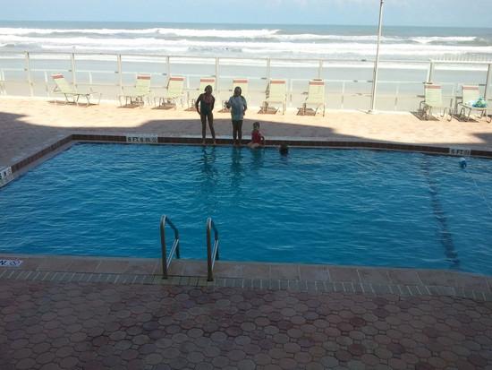 34-Pool