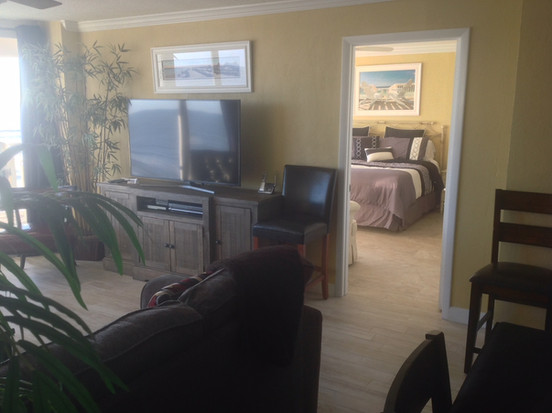 5-Living Room into master bedroom