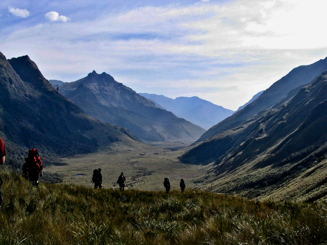 Student researchers explore the uninhabited upper Pulpito river in the Nudo del Azuay.