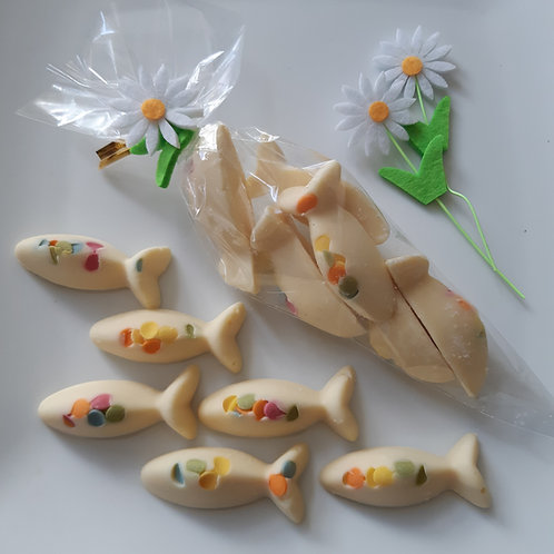 Packet of x6 white chocolate and sugar drop fish