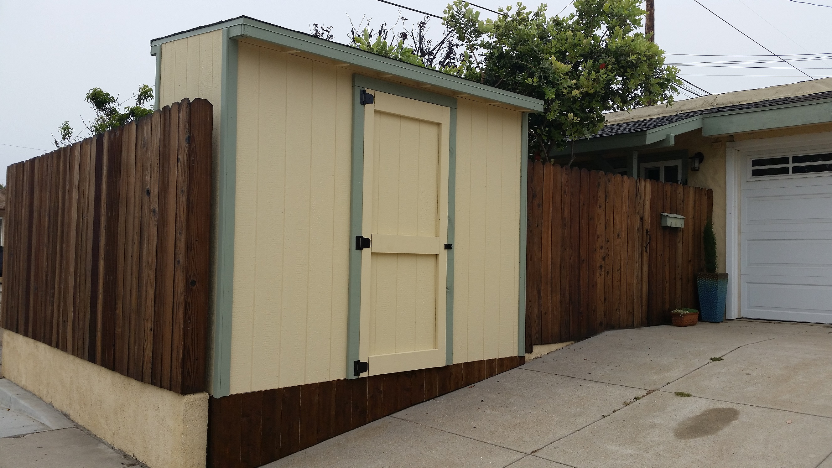 4x8' Storage Shed in Ventura