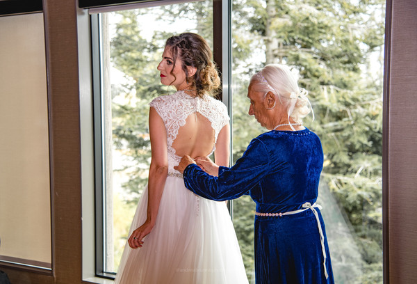 Grouse Mountain Wedding-54.jpg