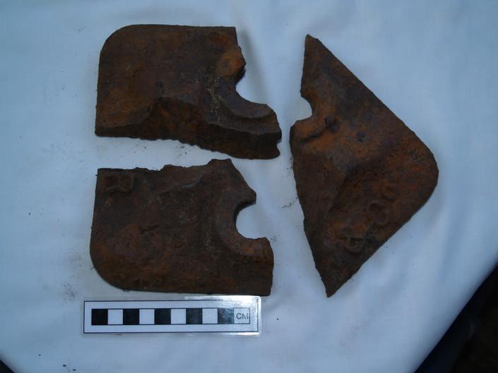 P1 Rail Chair Fragments C1.JPG