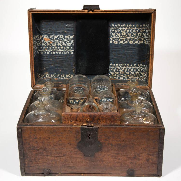 revolutionary war Cellarette portable liquor cabinet