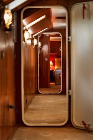 La_Reine_Pedauque_Suites_Details_hotel_m
