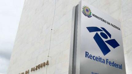 Receita Federal começa a notificar 74.442 profissionais liberais e autônomos