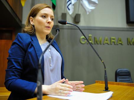 A Advogada especialista em Direito Previdenciário, Dra. Maíra Mota Guiotto, participa de Sessão Temá