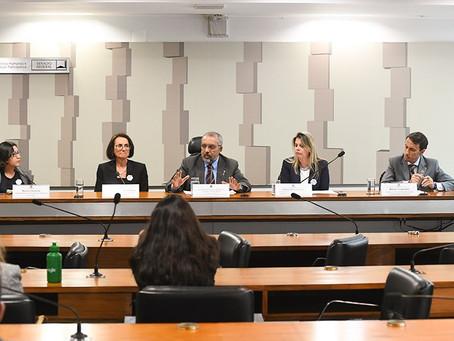 Debatedores divergem sobre efeitos da reforma da Previdência para as mulheres