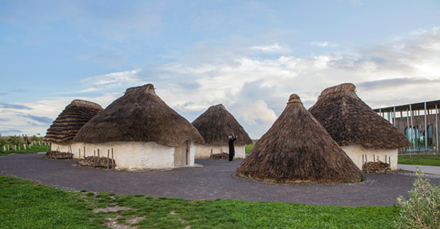stonehenge-lander-houses.png