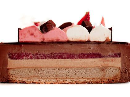Entremet Dark Chocolate, Hazelnut Praliné & Strawberry - X-Section