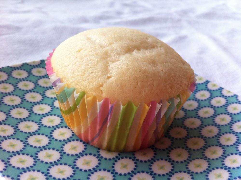 egg free cupcake.jpg