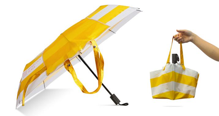 Foldable umbrella with bag